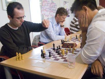Toernooiwinnaar Erik van den Doel in actie (foto Herman Zonderland)