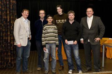 Vlnr: De la Parra (OGD), Van den Doel, Giri, Op den Kelder, Reinderman, Oranje (toernooi directeur)